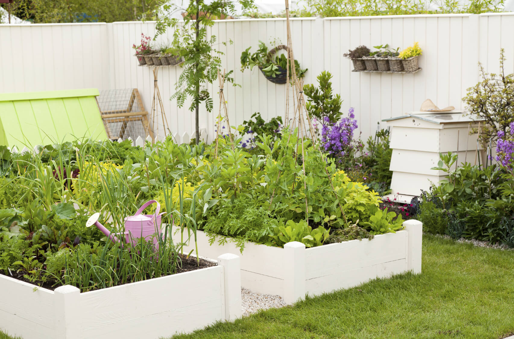 Ways to make your vegetable garden beautiful - How A Fruit And Vegetable Garden Be Made Beautiful With These Cool Ideas